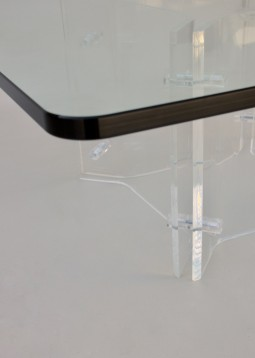 Amazing Coffee Table in Glass and Lucite